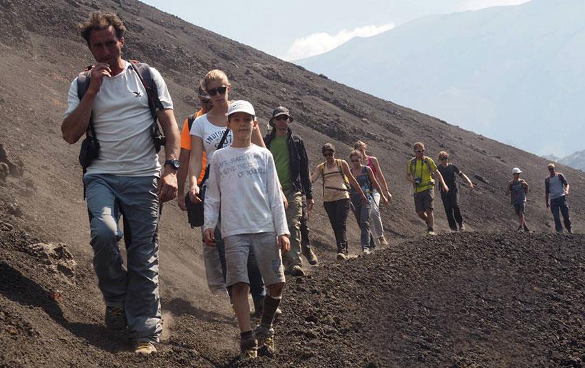 etna-turisti-escursione-alta-quota