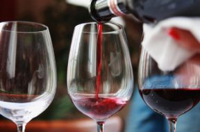 vino-degustazione-wine-getty