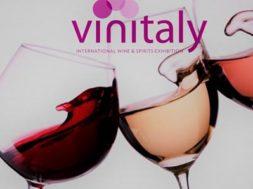 Vinitaly-2017-rosso-bianco-rosato-calici