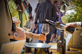 Cantine-Aperte-a-Donnafugata-pane-olio-e-vino-per-la-bio-diversità-Cant_Aperte_Donnafugata_©fabiogambina_DEGUSTAZIONE